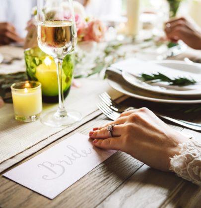 Kucharka, czy catering? Czyli co nieco o jedzeniu na przyjęcie weselne