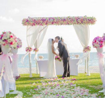 Organizacja ślubu i wesela – czy warto zatrudnić konsultanta ślubnego?