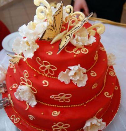 Tort weselny – jak wybrać?