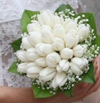 10 najchętniej wybieranych kwiatów do bukietów ślubnych.