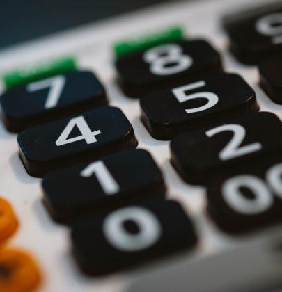 Kalkulator ślubny, czyli jak okiełznać wydatki na ślub.