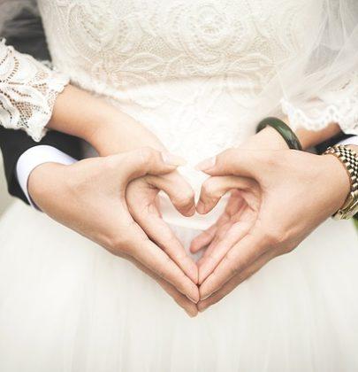 5 praktycznych rad, które pomogą idealnie wyjść na fotografiach ślubnych.