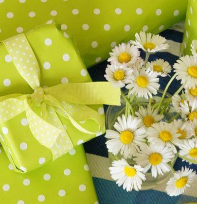 5 pomysłów na drobny prezent zamiast kwiatów.