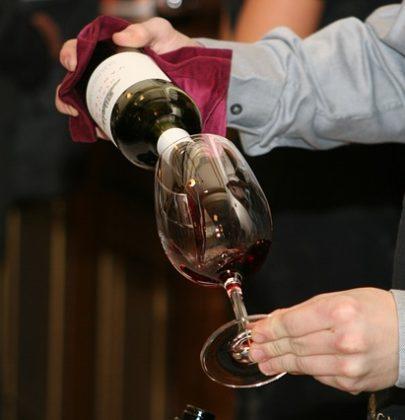 4 proste porady jak kupić wino na ślub.