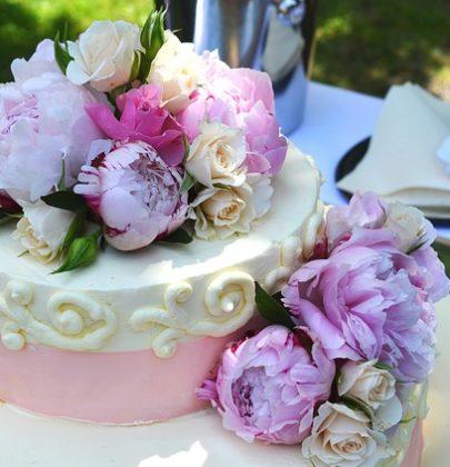 Wyjątkowa słodycz, czyli wybieramy tort weselny.