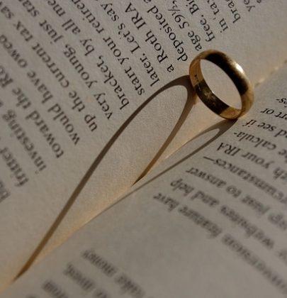 Najpiękniejsze cytaty o miłości, które wybrać do zaproszenia ślubnego?