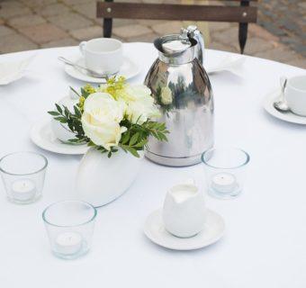 Wiejski stół – nieodłączny element każdego wesela.