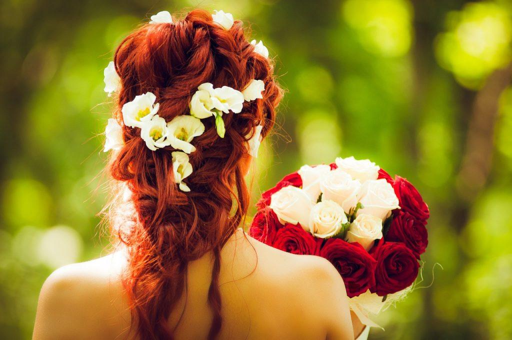 stroik na głowe z kwiatów