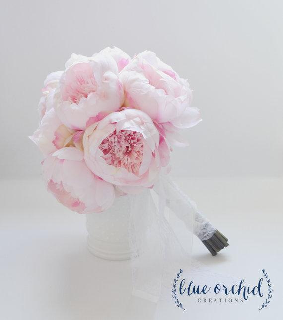 bukiety ślubne w kolorze różowym