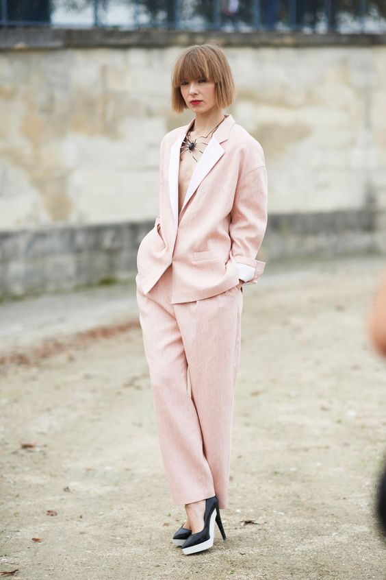 klasyczna różowa suknia ślubna