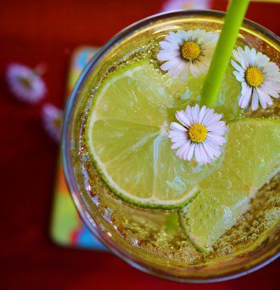 Zimne napoje na weselne stoły – top 5 propozycji