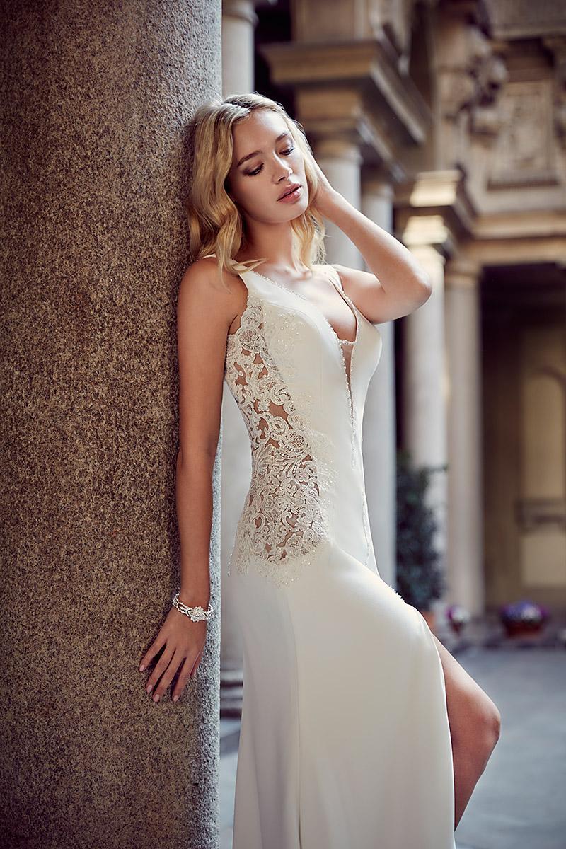 f3ec0a2080 Najpiękniejsze proste suknie ślubne - Blog ślubny Slubi.pl