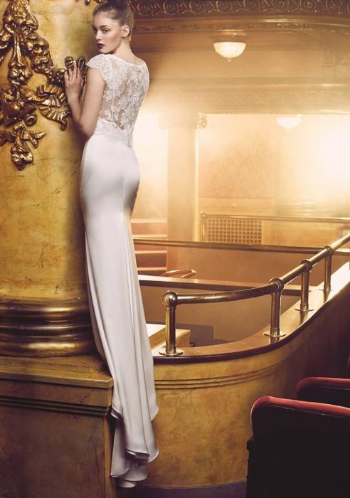 Suknia ślubna Style 4709