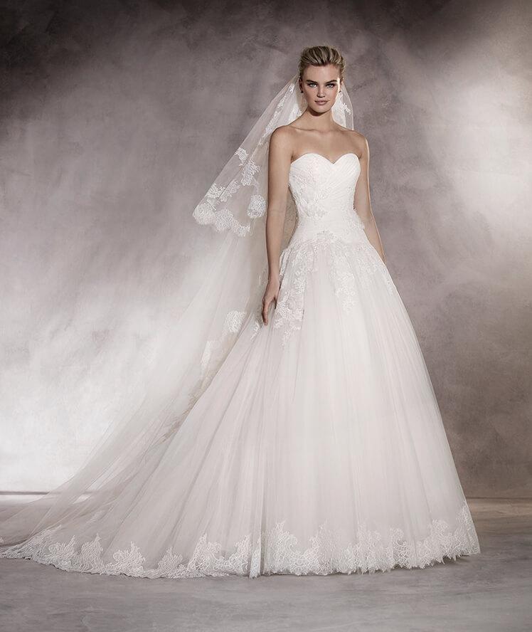 suknia ślubna figura gruszki