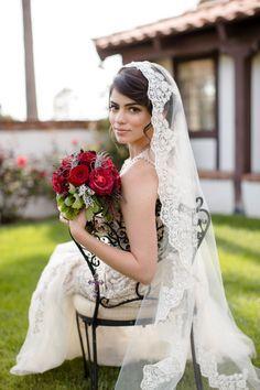 Welon ślubny w stylu hiszpańskim