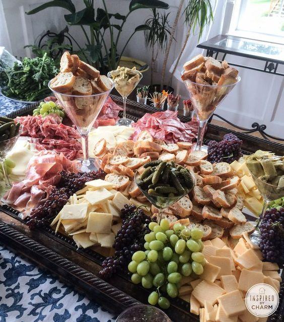 Stół serowy na wesele