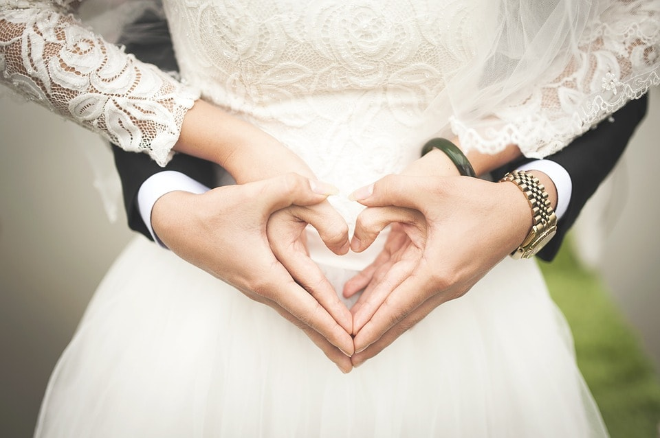 Suknie ślubne z długimi rękawami