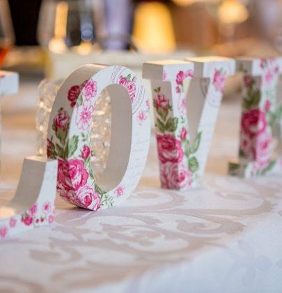 Jaki styl wybrać, gdy chce się urządzić piękny ślub i wspaniałe wesele – 3 modne propozycje!
