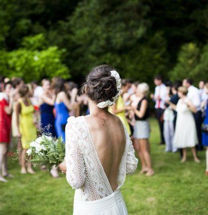 Jak warto ubrać się na ślub i wesele jako gość? Propozycje dla pań