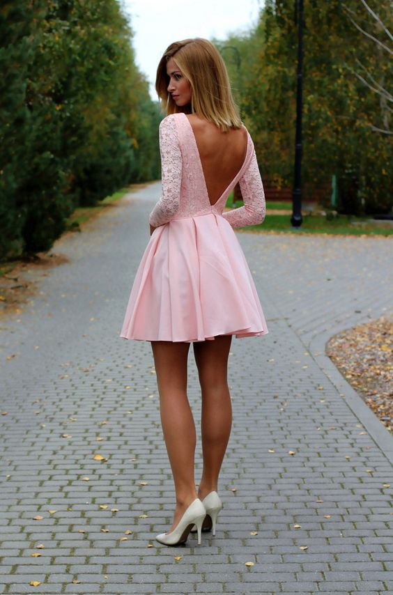 rozkloszowana suknia