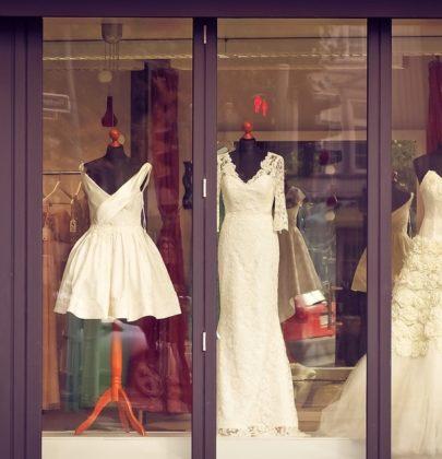 Prostota czy przepych? Jakie suknie ślubne wybierają dzisiaj Polki?