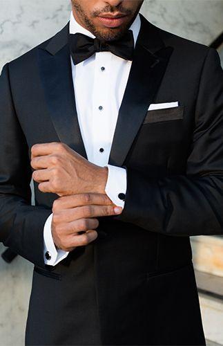 Klasyczny ciemny garnitur ślubny