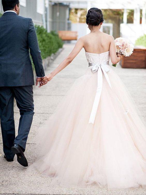suknie ślubna tiulowy dół