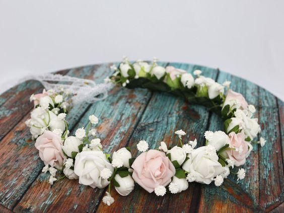 Wianek z żywych kwiatów