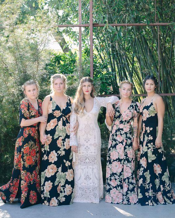 Kwieciste sukienki dla druhen
