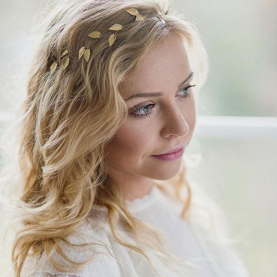Element biżuteryjny we włosach