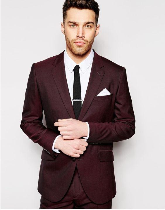 Pan Młody w kolorowym garniturze