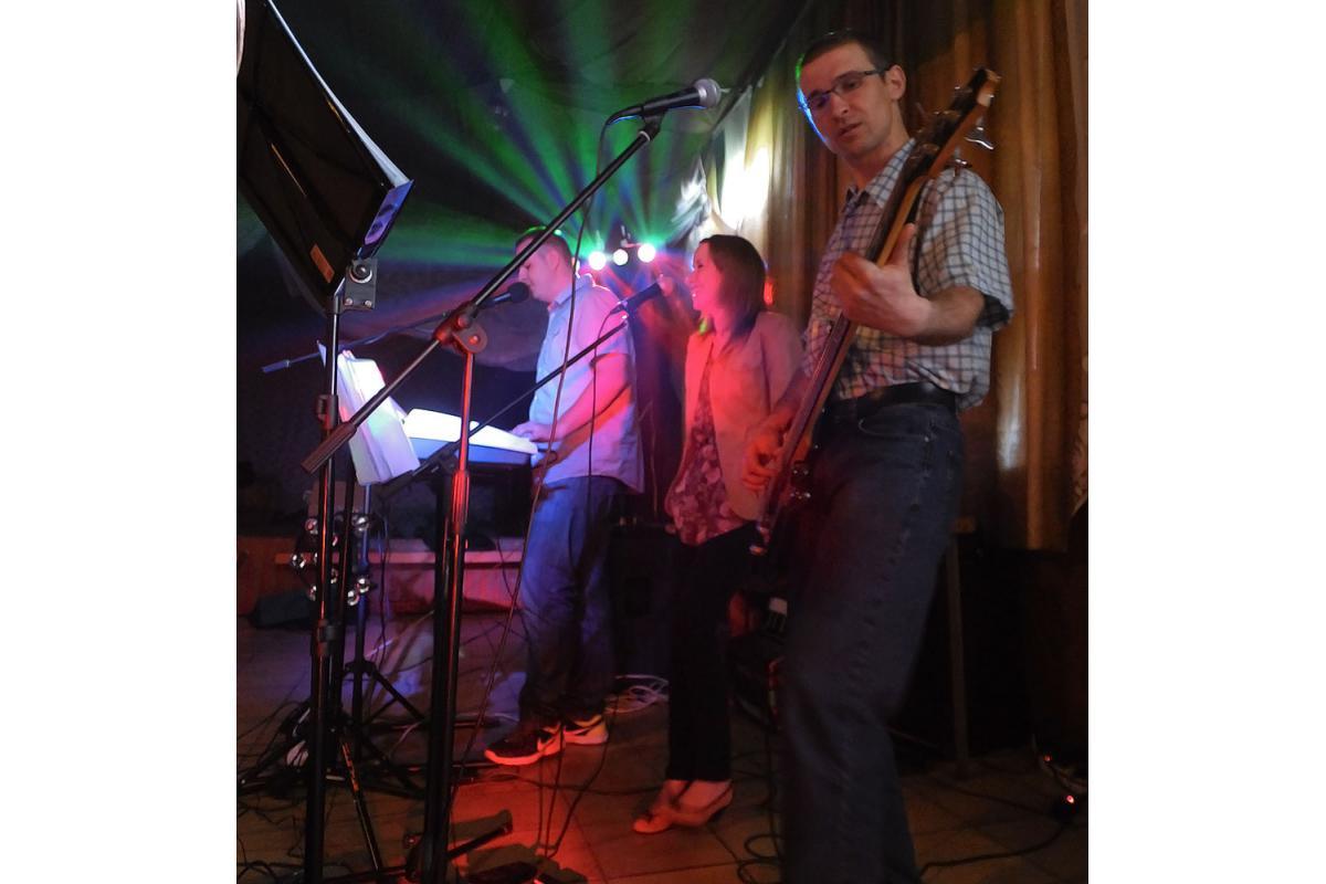 Zespół muzyczny REVIUS