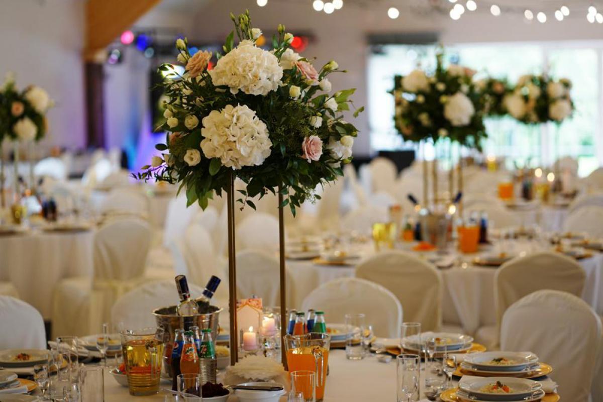 Dekoracje slubne i weselne. Fotoprzyczepa