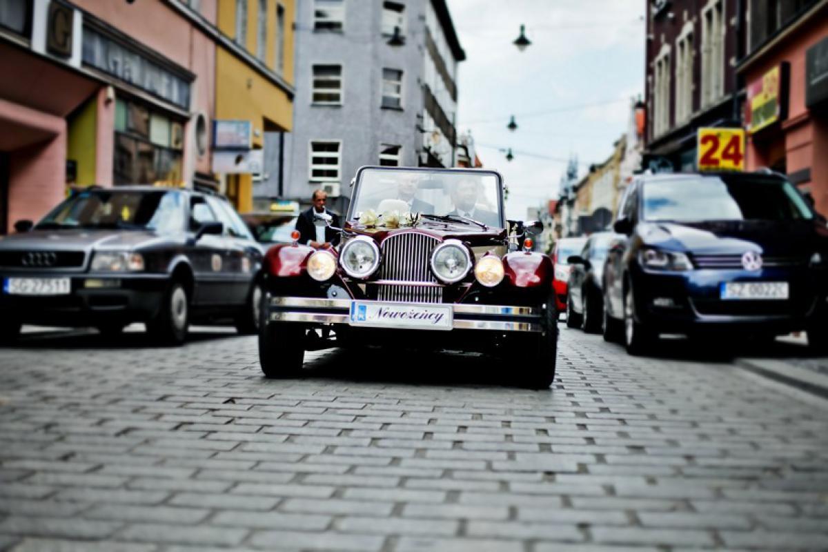 MM Limos Wypożyczalnia limuzyn